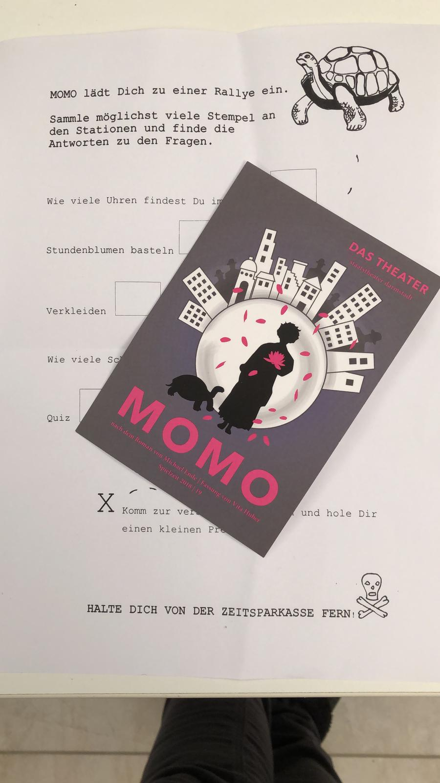 Theaterbuch MOMO Theaterralley